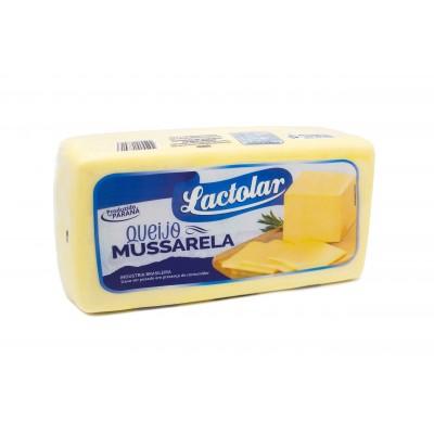 2602 - queijo mussarela Lactolar +/- 4kg